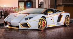 Super exotic cars and high-end Middle Eastern shops seem to go hand in hand with gold. The company behind this one-of-a-kind Lamborghini Aventador LP700-4 is Maatouk Design London. #Lamborghini #FastCars