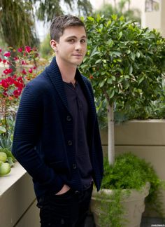 Logan Lerman...that smile! Aaargh  I'm blushing >////<