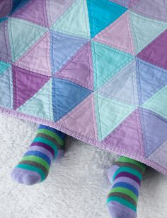 #Quilting Purple and Turquoise Triangle Quilt - Free Pattern