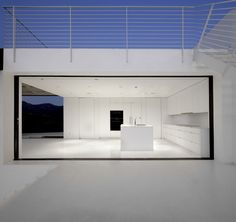 The Nakahouse by XTEN Architecture in Los Angeles, USA is a very skillful, modern remodel of an existing home on the Hollywood Hills. Minimalist Architecture, Amazing Architecture, Interior Architecture, Interior Design, Installation Architecture, Building Architecture, Interior Minimalista, Hollywood Hills, Hollywood Sign