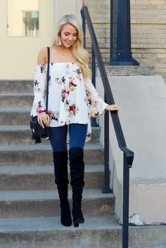 Fall Florals + Gift