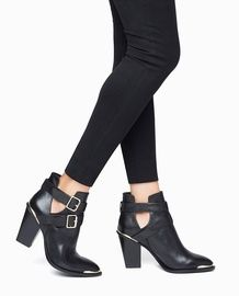34 best Shoes images on Pinterest in 2018   Me too shoes, Shoe boots ... dc844ef409