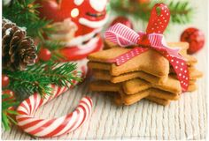 https://flic.kr/p/22UJjXT | Postcrossing RU-6073470 | Christmas postcard with cookies and a candy cane.  Sent by a Postcrosser in Russia.