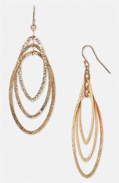 Love these drop earrings!