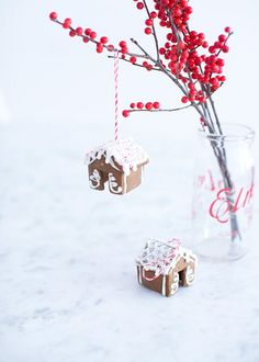 Mini gingerbreadhouses > ornaments! Sweet!!  from www.cavoletto.com