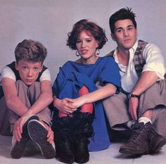 "Anthony Michael Hall, Molly Ringwald y Michael Schoeffling para ""Dieciséis Velas"" (Sixteen Candles), 1984"