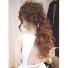 いいね!453件、コメント23件 ― @emxx_wdのInstagramアカウント: 「 . wedding hair② . お色直しはポニーテール . これまた理想的なゆる大人ポニーにして頂き幸せでした✨ . アクセサリーはイヤリングのみで、赤リップ .…」