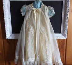 ANTIQUE-BABY-DOLL-NYLON-LACE-PLEATED-GOWN-BONNET-CHRISTENING-BAPTISM-OUTFIT
