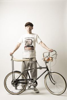 Even before he started A BATHING APE, NIGO was an avid collector of American vintage clothing, and his love for American pop culture has not faded one bit. Cool Bicycles, Vintage Bicycles, Cool Bikes, American Vintage Clothing, Nigo, Lowrider Bike, Cycle Chic, Made Clothing, Bike Art