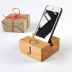 personalised stand for phone