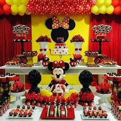 Birthday Cake Decorating Girls Minnie Mouse Ideas For 2019 Minnie Mouse Birthday Theme, Minnie Mouse Baby Shower, Minnie Mouse Cake, Birthday Cake, Fiesta Mickey Mouse, Mickey Party, Miki Mouse, Mouse Parties, Disney