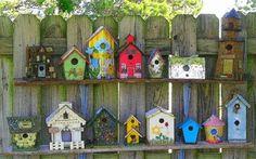 47 Ideas For Diy Garden Art Projects Bird Feeders Cool Bird Houses, Decorative Bird Houses, Diy Garden, Garden Projects, Garden Ideas, Fence Ideas, Garden Trellis, Art Projects, Birdhouse Designs