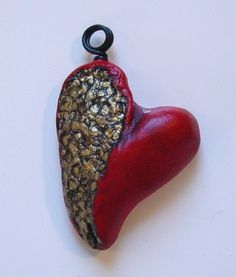 Creative Paperclay® air dry modeling material: Creative Paperclay® Heart pendant