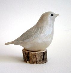 Sculpture Clay, Sculptures, Sculpting Classes, Painted Coffee Mugs, Bird Wings, White Clay, Wood Slices, Diy Clay, Polymer Clay