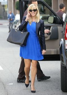 Reese Witherspoon - so simple and chic