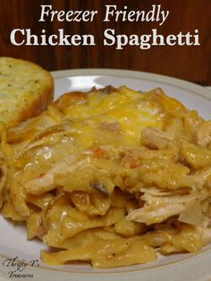 What do you get when you combine easy dinner recipes, chicken recipes, and freezer meals? This fab Freezer Friendly Chicken Spaghetti!…