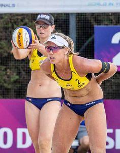 Borger/Sude gewinnen in China Beach Volleyball Girls, Play Volleyball, Coaching Volleyball, Gymnastics Girls, Beach Girls, In China, Laura Ludwig, Athletic Women, Athletic Wear