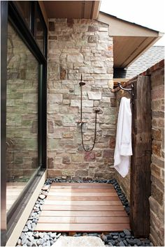 Love the look of this outdoor shower, would be great outside the mudroom for washing the dogs, or washing off mud or sand after gardening/going to the beach!