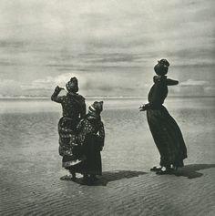 Photo by Inga Aistrup, taken on the Danish island of Fano, 1960.