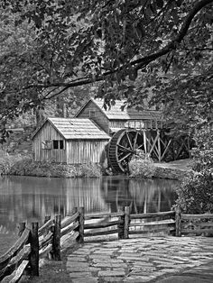 Mabry Mill by Patrick M Lynch Pencil Sketches Landscape, Landscape Drawings, Landscape Paintings, Tree Drawings Pencil, Art Drawings Sketches, Barn Drawing, Bridge Painting, Pop Art Wallpaper, Nature Drawing