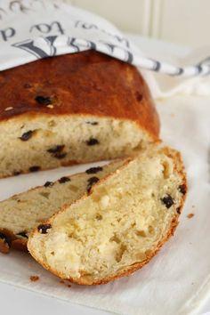 Hjemmebakt julebrød - My Little Kitchen Norwegian Food, Norwegian Recipes, Bread Recipes, Cooking Recipes, Bolo Fit, Little Kitchen, Christmas Baking, Bread Baking, Thanksgiving Recipes