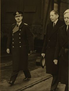 Carol al II-lea la funeraliile Regelui George al V-lea. Romanian Royal Family, Queen Mary, Kaiser, King George, Ferdinand, Eastern Europe, Descendants, Edinburgh, Funeral