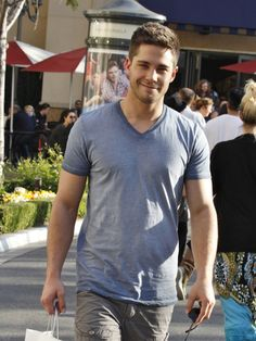 Dean Geyer Looks Hot As He Poses With Fans In LA