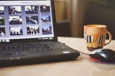Robimy coraz więcej zdjęć. Zrzucamy na dysk i... często zapominamy o nich. A warto co jakiś czas je wywoływać. Tylko gdzie? W domu czy labie? I jaką formę wybrać - odbitki, fotoksiążkę czy może fotoalbum? #PaniSerwisantka #CykCykStudio #zdjęcia #photos #print #wywoływanie #howto #DIY #wspomnienia
