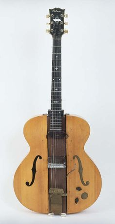 "Gibson  ""The Log"". Electric guitar created by Les Paul"