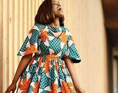 Flare imprimé africain Midi robe - découpe robe - Ankara - Ankara imprimer - robe africaine - fait main - Afrique habillement - mode africaine