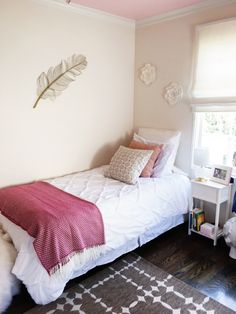 California Girls' Room Makeover - Easy Paint Ideas | COCOCOZY