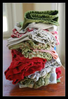 Save the world! Create a paperless kitchen. How to ditch the paper towel habit! From Sisterhood of the Sensible Moms Make Your Own, Make It Yourself, How To Make, Cleaning Hacks, Cleaning Solutions, Homemade Laundry Detergent, Cleaners Homemade, Save The Planet, Clean House