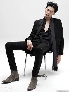 Kim Won Joong - GQ Magazine September Issue love this suit and the boots Korean Male Models, Male Models Poses, Male Poses, Korean Model, Korean Male Fashion, Human Poses Reference, Pose Reference Photo, Sitting Pose Reference, Photography Poses For Men
