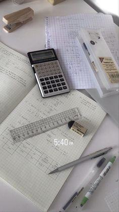 School Organization Notes, Study Organization, School Notes, Studyblr, Pretty Notes, School Study Tips, Study Space, Study Hard, Instagram Story Ideas