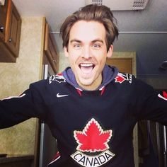 This is how a #Canadian actor shows up on set. He reps Canada hard. | 17 Reasons Why Kevin Zegers Is Canada's Zac Efron, But Better