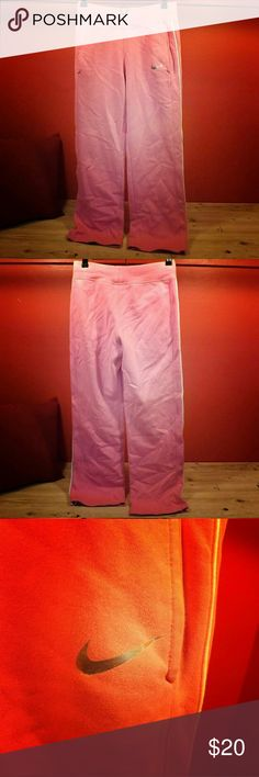 Nike pink sweatpants This super cute pair of pink Nike sweats are the definiton of comfort. It is staying in style while getting some down time. These super soft and comfy sweats will never let you down when the winter days roll in!! Offers are welcome! 😁😁 Nike Pants