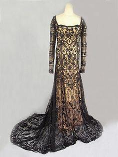 Lace dress - age unknown
