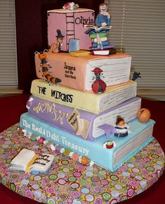 """The Works of Roald Dahl"" Cake © Lisa BONIN, PhD. t/a Cake Doctor LLC (Cake Artist. Caption required by international copyright law. Crazy Cakes, Fancy Cakes, Roald Dahl, Take The Cake, Love Cake, Unique Cakes, Creative Cakes, Beautiful Cakes, Amazing Cakes"
