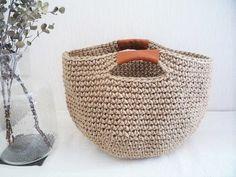 麻ひもカゴバック[赤茶]・Lの画像2枚目 Crochet Cross, Crochet Home, Love Crochet, Finger Knitting, Fabric Yarn, How To Purl Knit, Knitted Bags, Crochet Bags, Afghan Crochet Patterns
