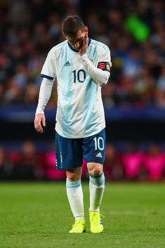 The day he really retires, Argentina is going to be a mess Fc Barcelona, Neymar, Leonel Messi, Soccer Poster, Soccer Uniforms, Messi 10, Best Player, Cristiano Ronaldo, Football Players