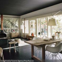 edles wohnzimmer mit modernen möbeln   minimalistische einrichtung, Wohnzimmer