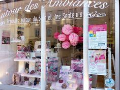 #AutourdesAmbiances s'associe à #Octobrerose. Pour cette occasion, une vente de #lingerie aura lieu au profit de la ligue contre le cancer du sein SAMEDI 8 OCTOBRE dans votre boutique.