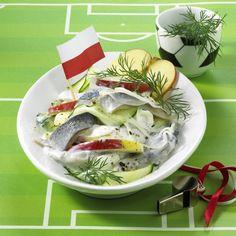 Unser beliebtes Rezept für Polnischer Hering-Apfel-Salat  und mehr als 55.000 weitere kostenlose Rezepte auf LECKER.de.