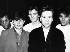 Simple Minds Rock Band from Left Mel Gaynor Charlie Burchill Derek Forbes Jim Kerr and Mick Mcneill Fotografiskt tryck