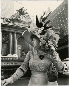 Bill Cunningham: Facades - Grand Central Station