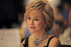 Naomi Watts as Princess Diana: First Look! nice haircut Naomi Watts — playing Princess Diana, but I don't think it looks like her — might be better as Sophie of Wessex. Princess Diana Movie, Princess Diana Photos, Princess Of Wales, Naomi Watts, Hasnat Khan, Lady Diana, Mulholland Drive, Princesa Diana, Film Gif