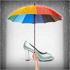 Tranquila Escarlata que no te vas a mojar... Al mal tiempo un poco de alegría, qué remedio!