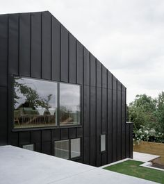 entitled 'prospect house', dow jones architects has completed the remodeling of a family home and studio in bath, UK. Zinc Cladding, House Cladding, Residential Architecture, Contemporary Architecture, Architecture Design, Prospect House, Tudor Cottage, Arch House, House Extensions