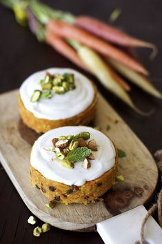 No Bake Carrot Cake: a light and flavorful treat, perfect for Easter (gf, vegan).