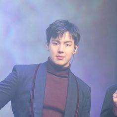 💖 - 🌸#shownu#셔누#MonstaX#kpop#몬스타엑스 #SonHyunwoo#jooheon#minhyuk#wonho#kihyun  #changkyun#hyungwon#monbebe#몬베베 🌸 cr. 섹시한셔누